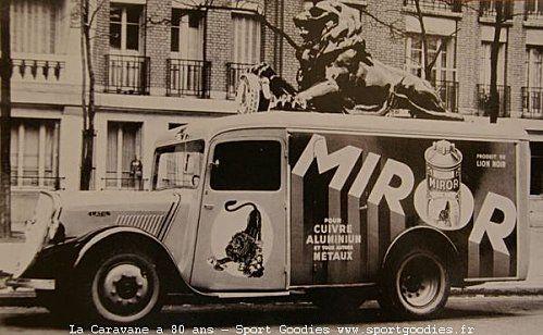 07-1947-Lion-Noir-01.jpg