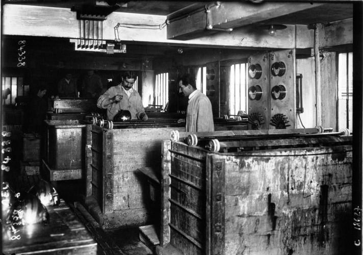 atelier-ducellier-de-nickelage-1920.jpg